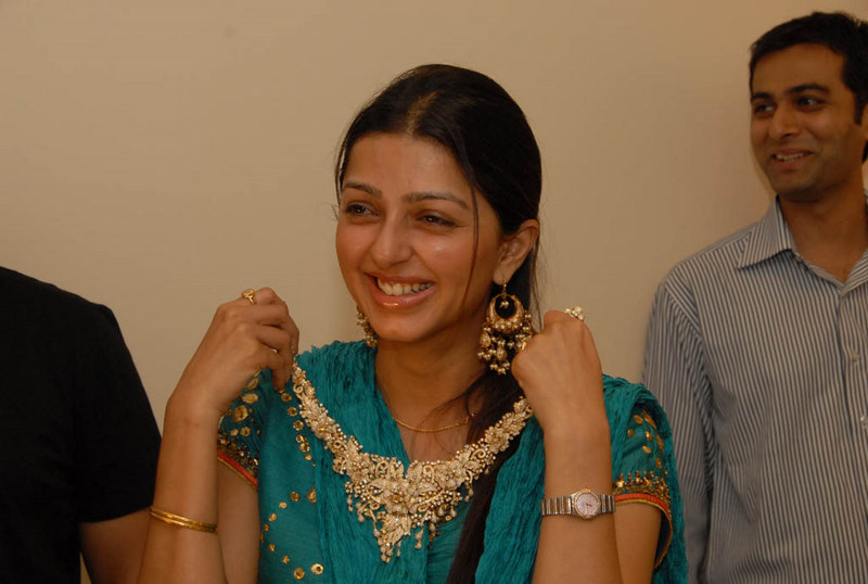 bhumika wallpapers. Bhumika chawla without make up
