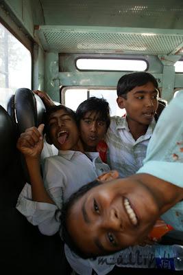 w indyjskim autobusie