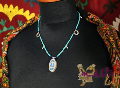 wisiorek etniczny