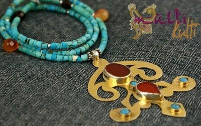 biżuteria etniczna: turkus i złoto