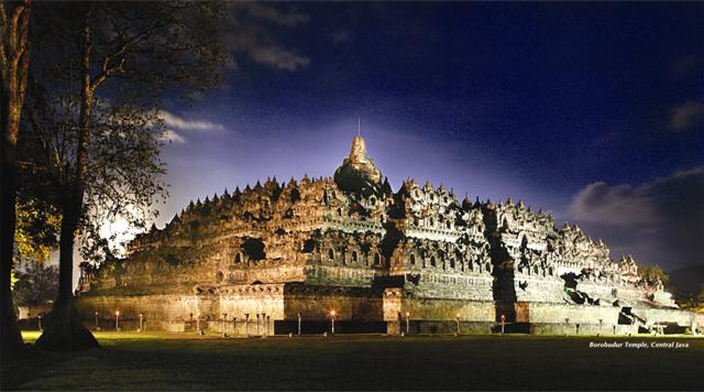 borobudur-night