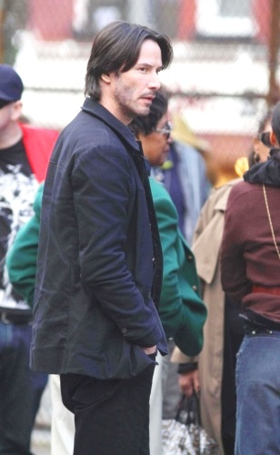 Keanews Keanu Reeves On The Set Of Generation Um New
