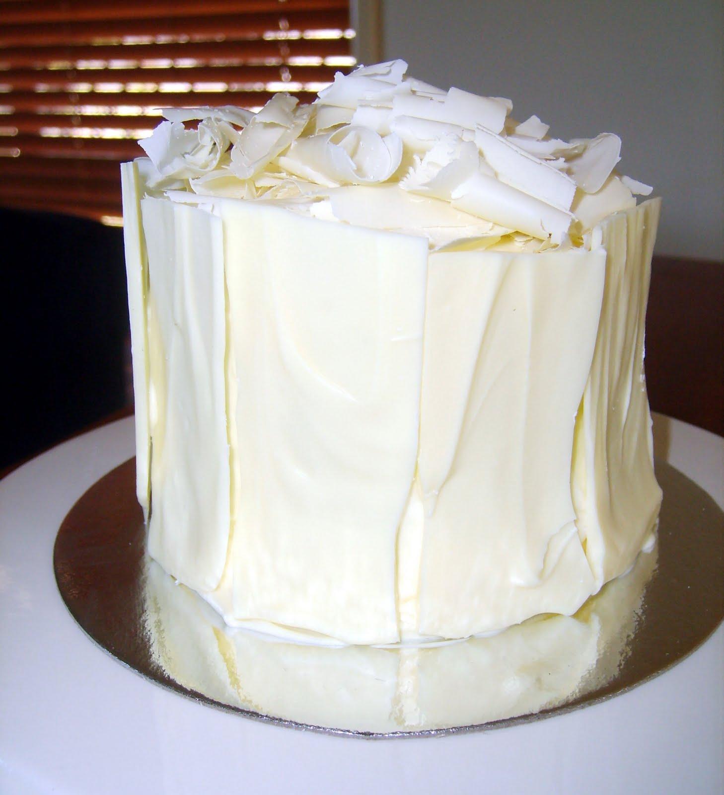 Caketopia: Mini Dark Chocolate Flourless Cake with Whipped White ...
