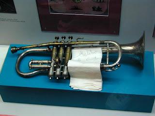 Louis' cornet