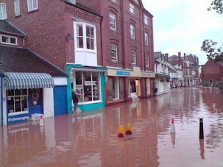 Tenbury Wells Market Street Floods Sept 08 (Copyright Tenburyweb)