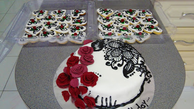 Cake Decorating Ideas Piano : Pin Piano Keyboard Cake By Monix Decorating Ideas Cake on ...