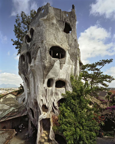 20 strange weird crazy and creative houses ever spicytec for Architecture originale maison