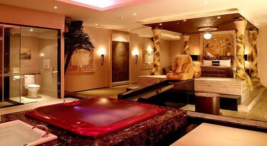 Inside Luxury Bedrooms luxury bedrooms. 20 modern luxury bedroom designsbest 10 luxurious