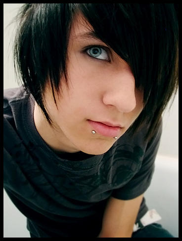 So, get started with new hair styles and choose cool emo boys hair.
