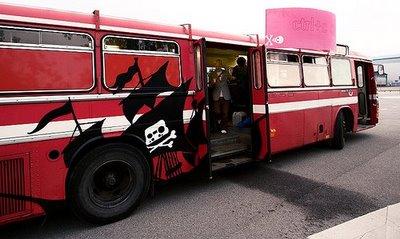 [pirate_bay_s23m+bus.jpg]