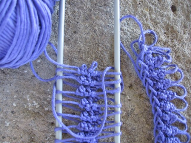 Questo è il mio primo lavoro compiuto: una collana in filo di cotone