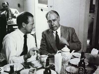 Heisenberg junto a Bohr tomando la posiblemente mejor cerveza del mundo
