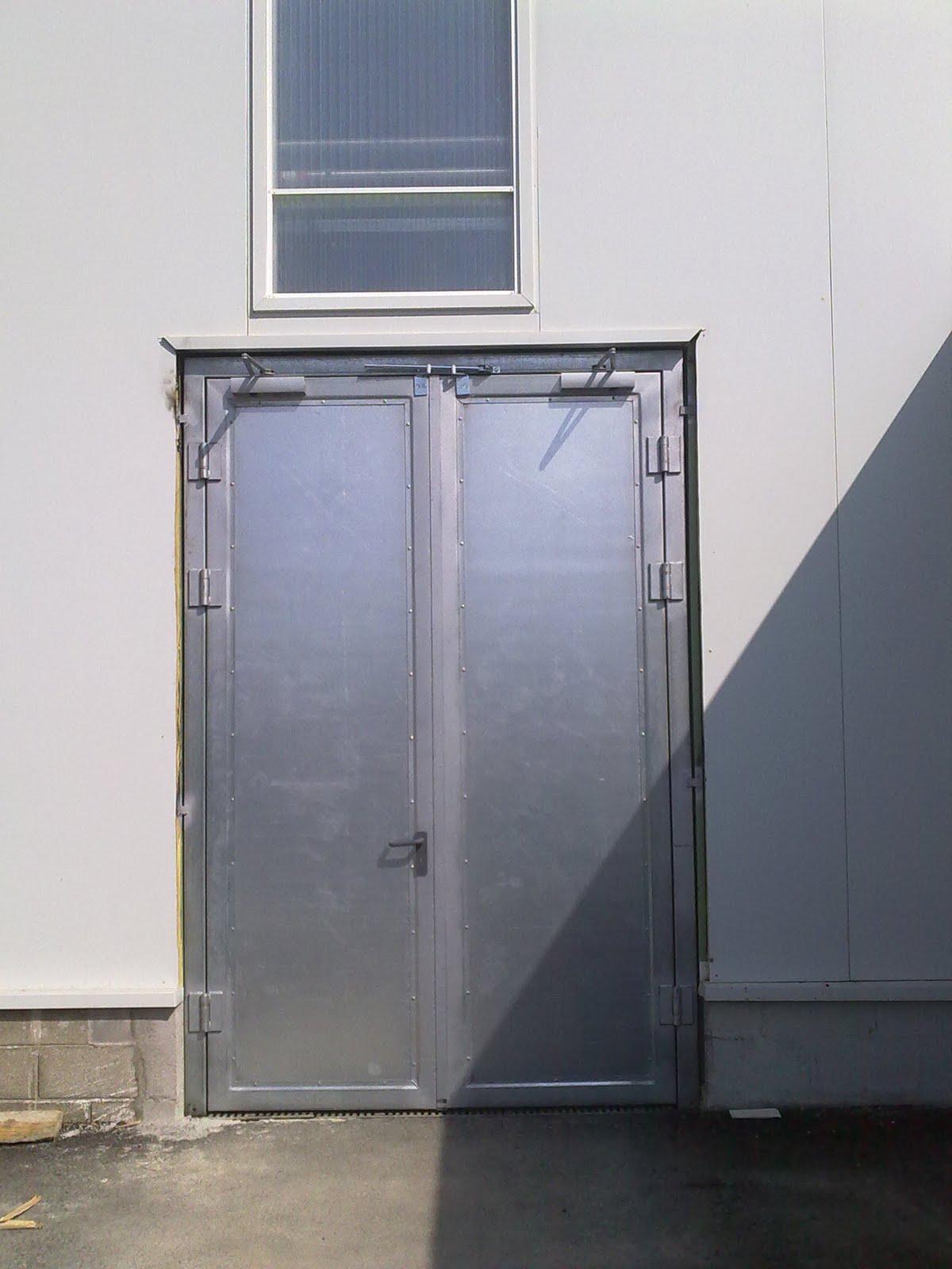 Puertas automatismos sistemas de seguridad y control for Puertas correderas pequenas