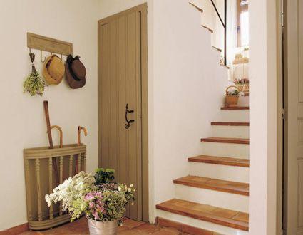 Colores para decorar ideas para vestibulos con escaleras - Escaleras blancas ...