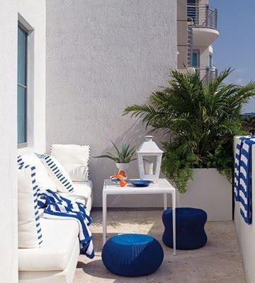 Colores para decorar terracitas y balcones peque os for Bancos para terrazas pequenas