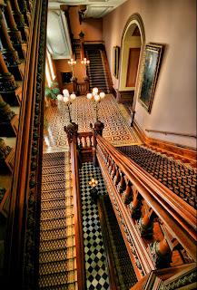 scara interioara din lemn masiv stil vechi