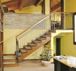 scara interioara imbinare stil modern cu modelul grecesc