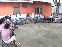 El diputado Tomas Ponce en reunion con disidentes liberales