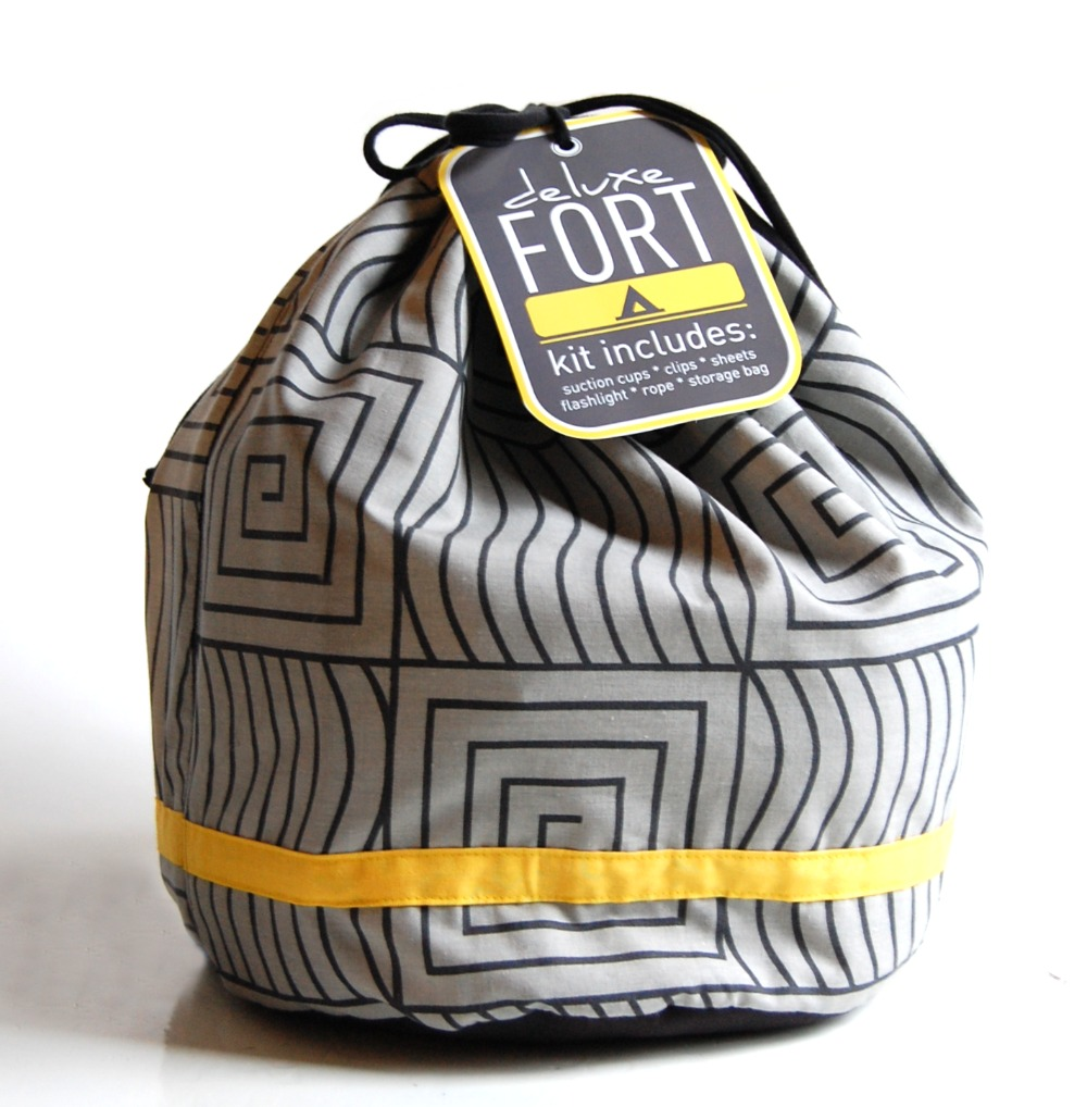 you can head on over to brady's mom's blog to see pictures of the built fort + read below for the tutorial. first, gather the supplies. INCLUDED IN THIS KIT WAS: 2 flat sheets, a lantern, laundry clips, rope, hefty ribbon (for ties), tags (click to download coral or green) and .