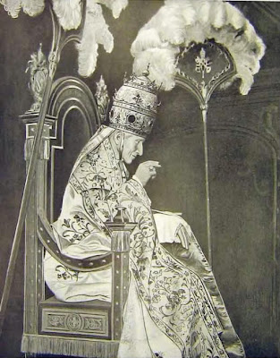 El Papa es el Faraón!  Sedia-14