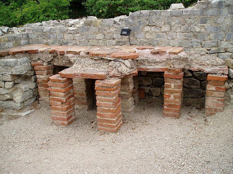 Baño De Vapor Romano: ofrecían baños de vapor y piscinas frías templadas y calientes