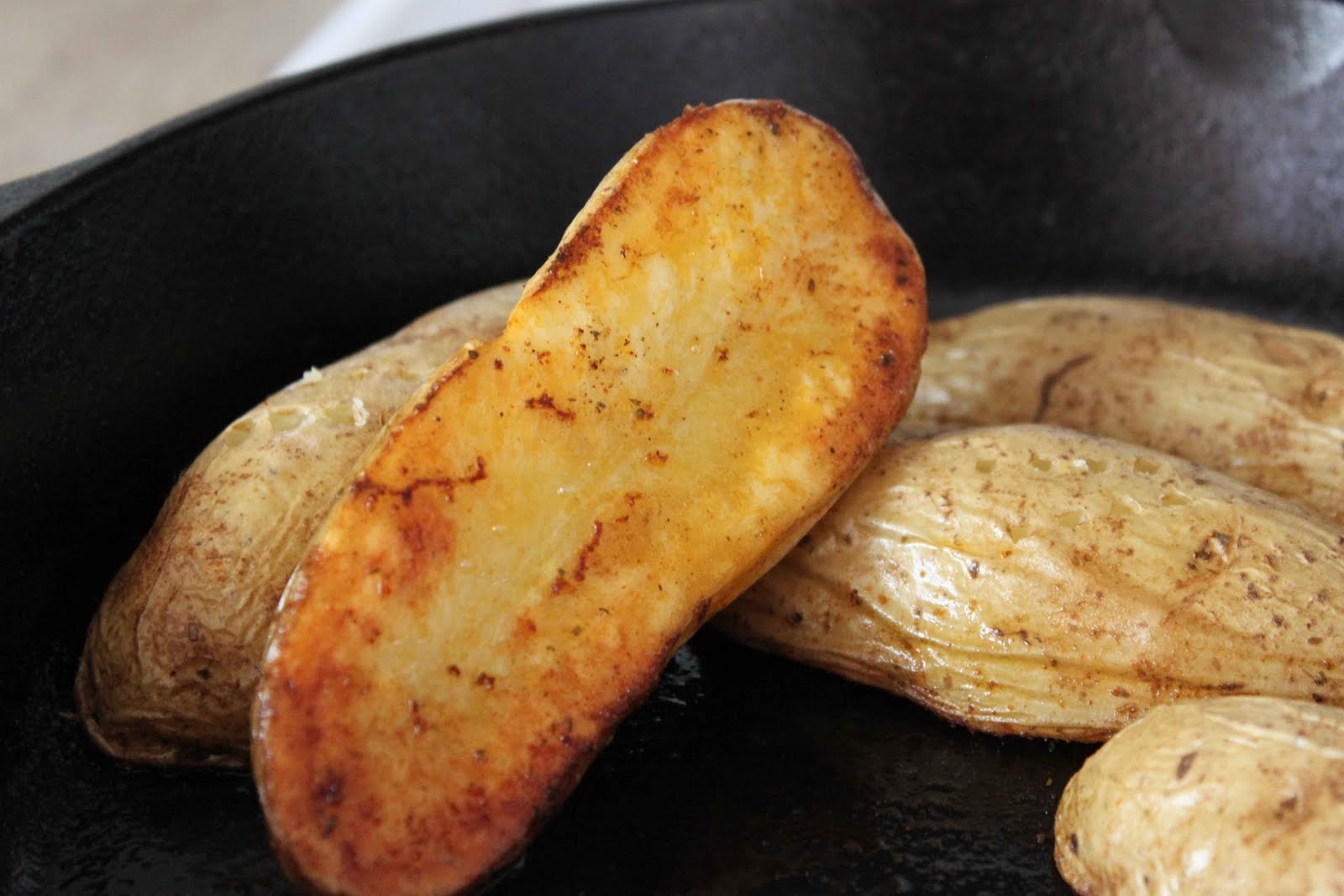 Stacey scraps and cooks cast iron skillet baked potatoes for Different ways to cook russet potatoes