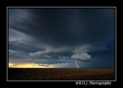 Wall cloud from 6/8/09 storm Hamlin, TX.