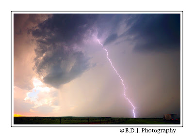 Close CG lightning from 6/16/09 chase Guthrie, TX