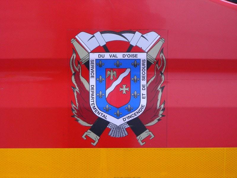 Engins de pompiers fire trucks smur pompiers du val d - Brocante 95 val d oise aujourd hui ...