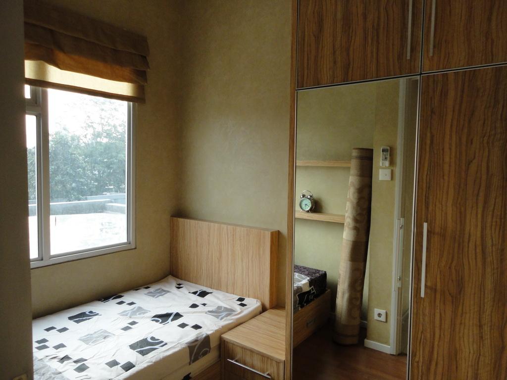 DINNING ROOM Rp 22000000 Kitchen Set Kabinet Atas Dan Bawah Kompor 1 Tungku Cooker Hood Sink Meja Makan 2 Kursi