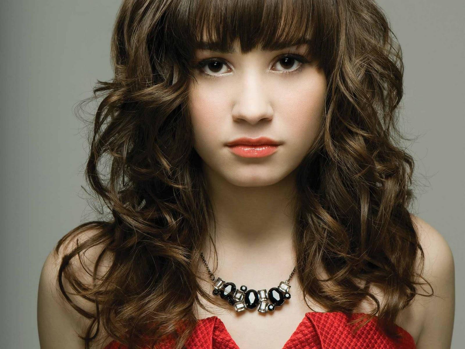 http://1.bp.blogspot.com/_fCAtMdq3Ayo/TRX3JQrLeGI/AAAAAAAABzQ/t7meZHvvU3Q/s1600/Demi+Lovato+10.jpg