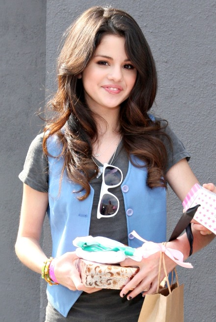 Celebrity SPICE: Selena Gomez : Hot Teen diva