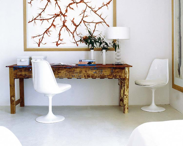 White on White - tulip chair in a white room