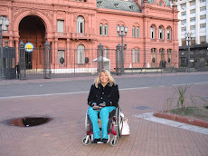 Con la Casa Rosada al fondo en una de mis salidas cotidianas
