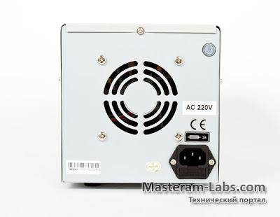 Тыльная сторона лабораторного блока питания ATTEN APS 3003S