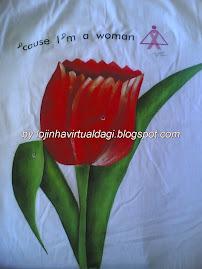 T-shirt pintada com tintas Acrilex