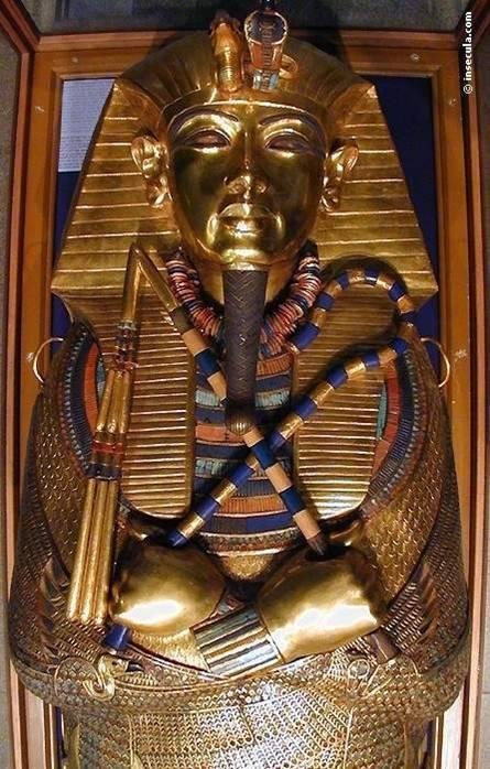 detalhe do segundo sarcófago de Tutankamon