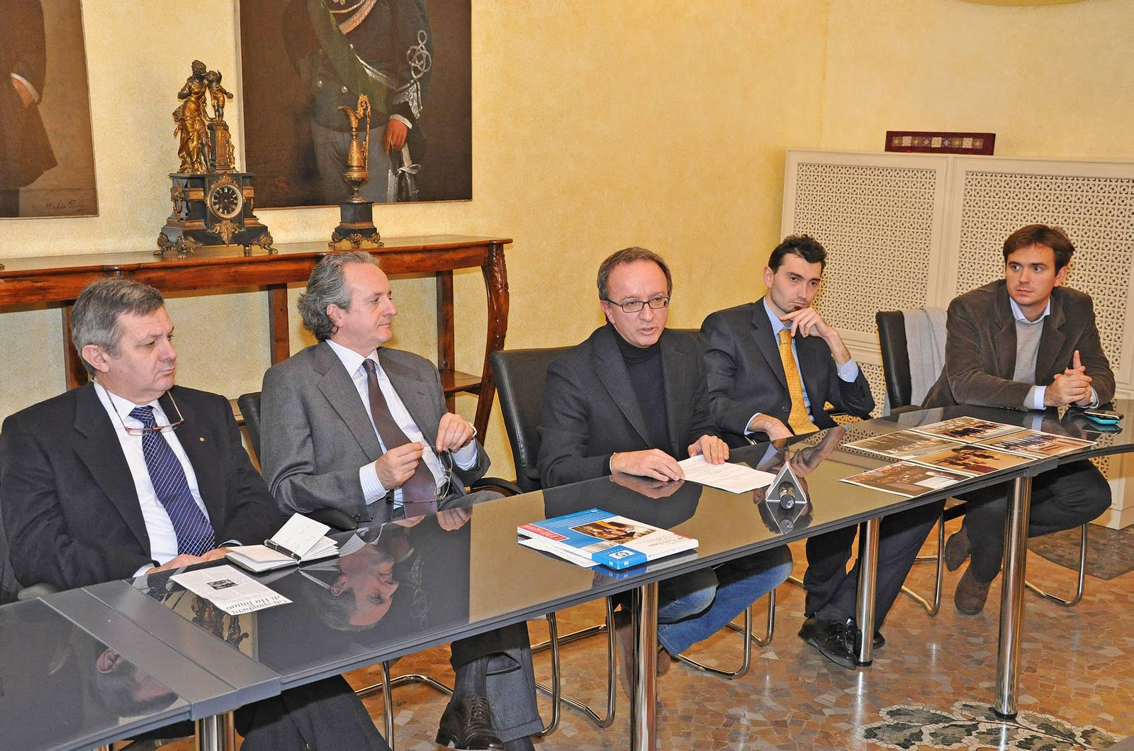 Pavia pavia ospiter una riunione del bureau - Bureau international des expositions ...