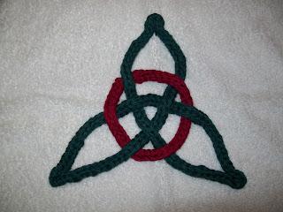 Celtic Trinity Knot Knitting Pattern : Seasons Musings: Girls Day knitting