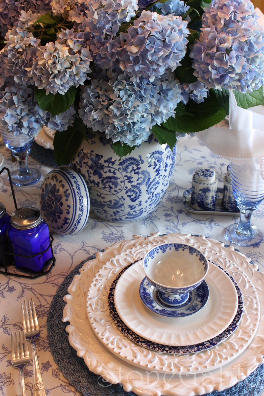 Blue And White Summer Tablescape - StoneGable