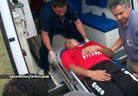 Velardez es retirado en ambulancia - tucumanesfutbol