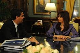 Cristina junto a Capitanich