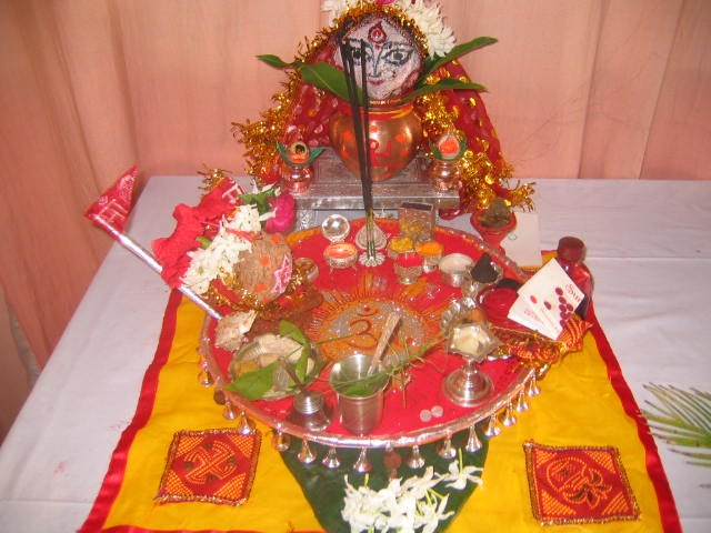 Art craft pooja thali 1 for Aarti thali decoration with rice