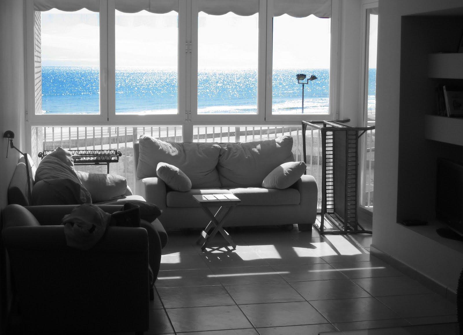 Un apartamento en la playa el antes tr s studio blog - Decorar apartamento playa pequeno ...