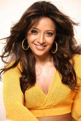 Reema Sen Sexy Photoshoot Stills