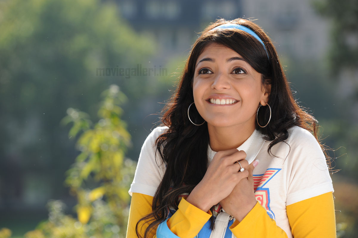 Kajal+agarwal+wallpapers+in+darling