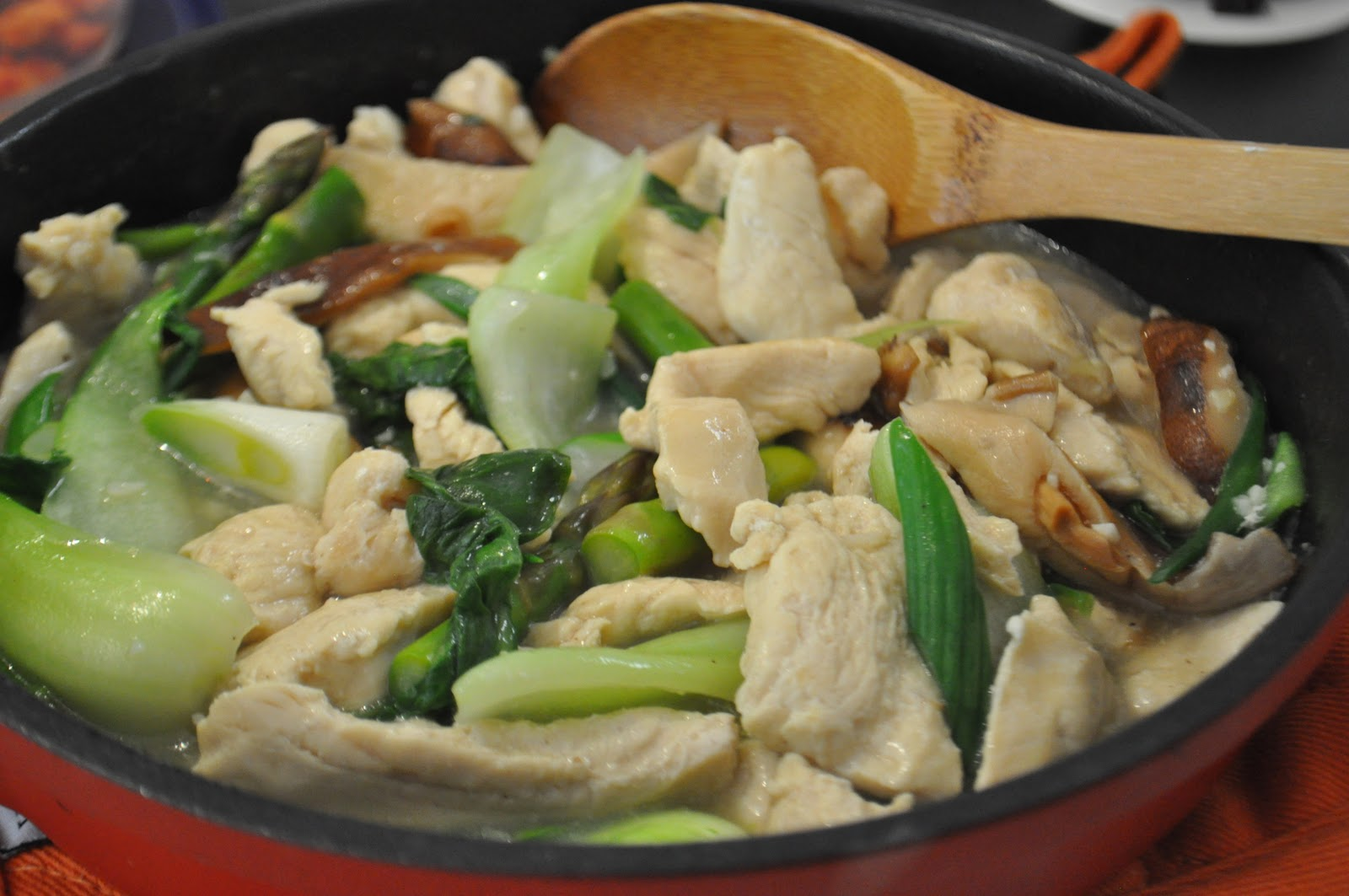 Moo goo gai pan is usually a simple stir-fried dish consisting of ...
