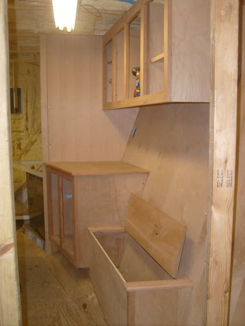 Conall's Boat Build: Guest cabin dressing room