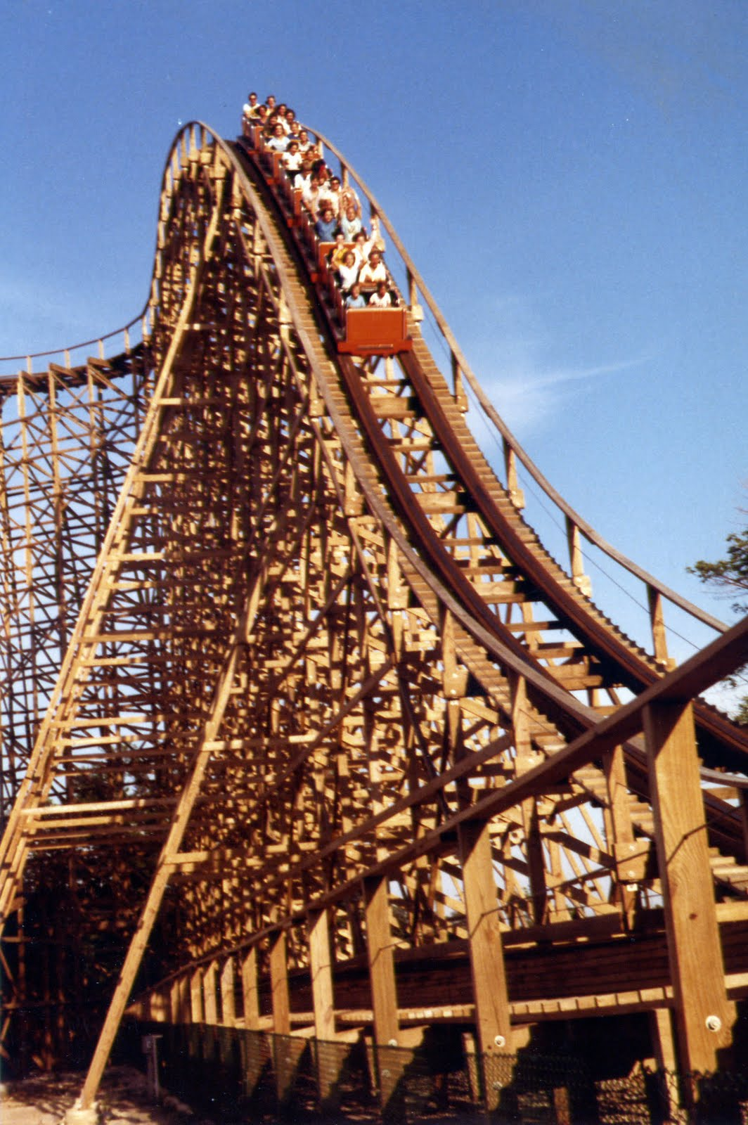 NewsPlusNotes: A Blast From The Past - Canada\'s Wonderland: Part 3