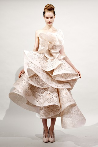 Edge Of The Plank: Marchesa Spring Summer 2011 Collection ...